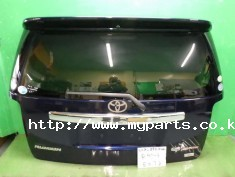 Toyota rumion 2011 tail gate